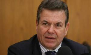 Πετρόπουλος για «μπλοκάκια»: Οι εισφορές θα υπολογίζονται στα καθαρά έσοδα των επαγγελματιών