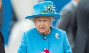 Royal Style: Tα πιο κομψά μονόχρωμα looks της Βασίλισσας Ελισάβετ