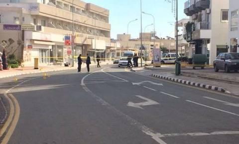 Φονικό Δερύνεια: Στον αστυνομικό σταθμό αντί στο νοσοκομείο πήραν τον 23χρονο νεκρό οι φίλοι του
