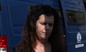 Σύλληψη Πόλας Ρούπα: Τι δήλωσε ο παππούς της 25χρονης που έκρυβε τη Ρούπα (vid)