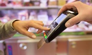 Χάος και καθυστερήσεις για τις ηλεκτρονικές συναλλαγές και το πλαστικό χρήμα