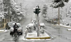 Καιρός: Οι μετεωρολόγοι προειδοποιούν – Ο χιονιάς «Αριάδνη» θα κυκλώσει τη χώρα για τρεις ημέρες