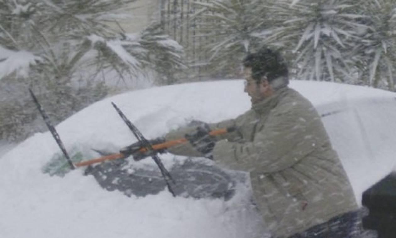 Καιρός: Ο χιονιάς Αριάδνη έρχεται - Το κόλπο για να φύγει ο πάγος από το παρμπρίζ του αμαξιού