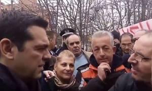 Βρήκε λύση ο Τσίπρας για τους συμβασιούχους: «Μην διαβάζετε εφημερίδες» (video)