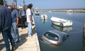 Έκανε «βουτιά» με το αυτοκίνητο του στο λιμάνι της Λευκάδας