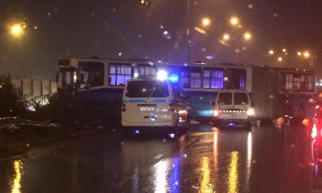 Καιρός Θεσσαλονίκη: Λεωφορείο εξετράπη λόγω της ολισθηρότητας του δρόμου (pics)