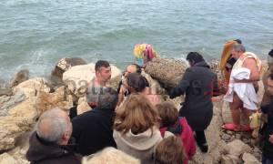 Θεοφάνεια: Ξύλο στην Πάτρα για το Σταυρό! (vid)