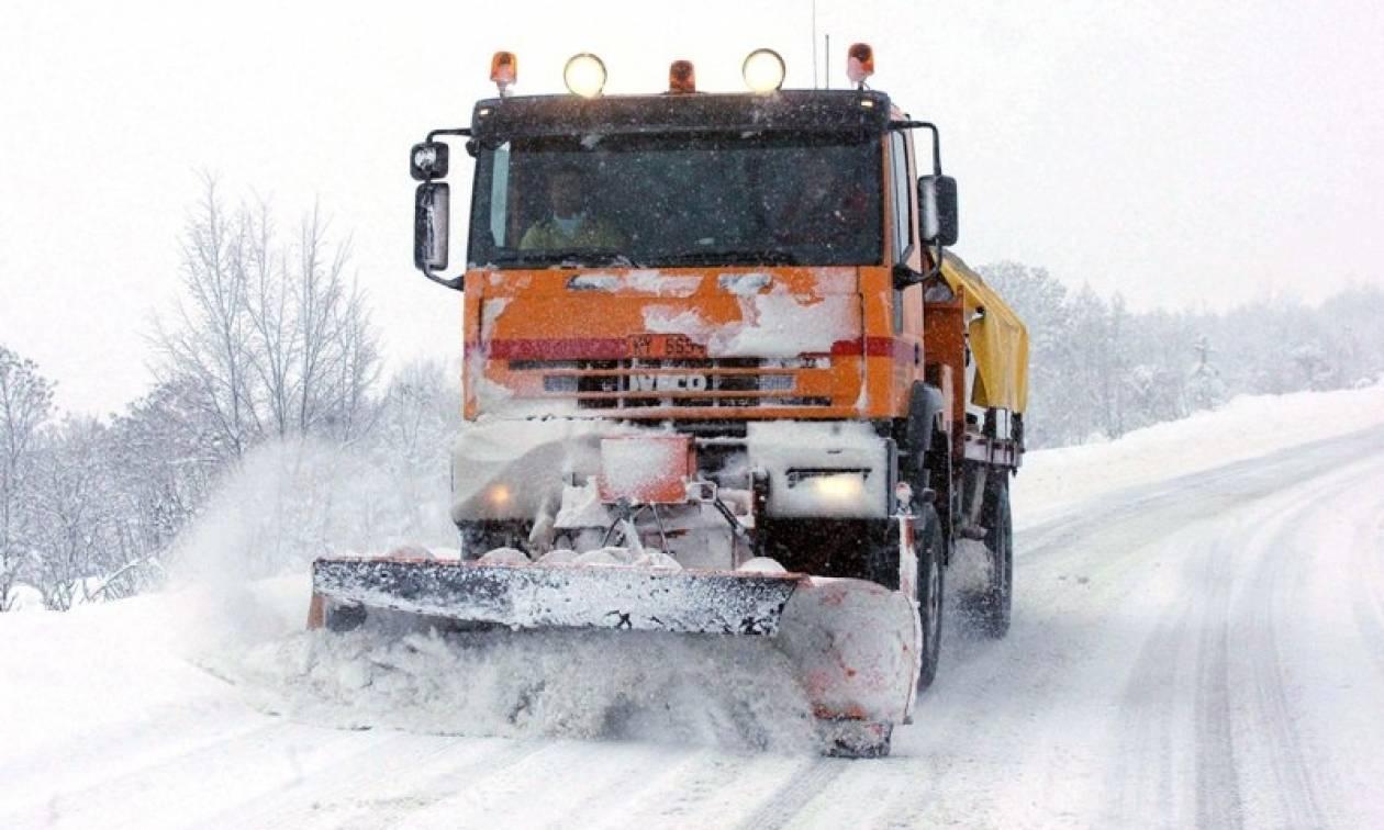 Χιόνια - Προσοχή! Η Τροχαία προειδοποιεί: Αυτοί οι δρόμοι είναι κλειστοί - Πού χρειάζονται αλυσίδες