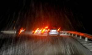 Καιρός Live: Ουρές αυτοκινήτων μεταξύ Ακράτας και Αιγίου - Γυρίζουν πίσω προς την παλαιά εθνική οδό