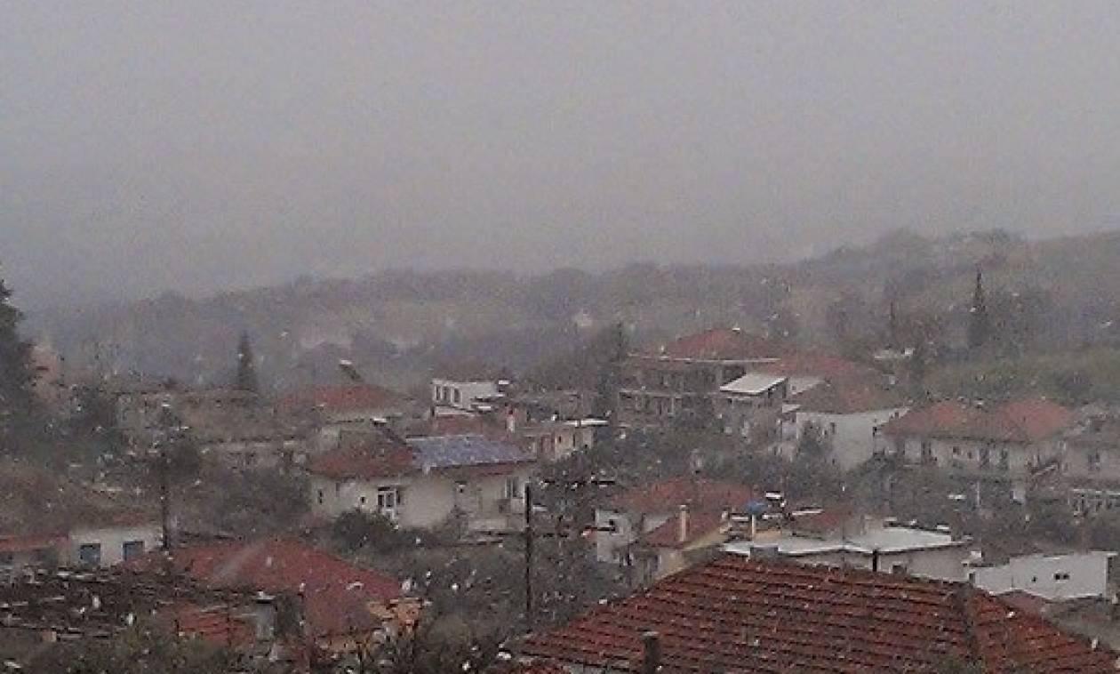 Καιρός ΤΩΡΑ - Αγρίνιο: Αποκλεισμένοι από το χιόνι νεφροπαθείς