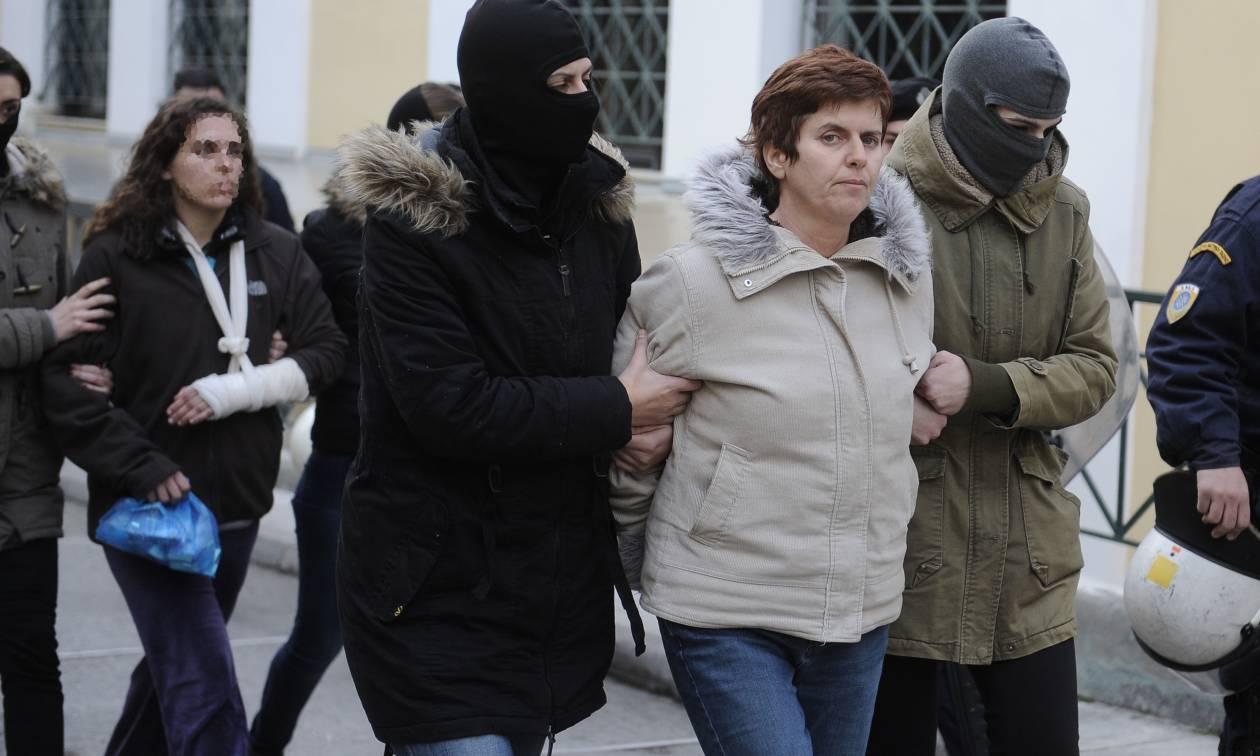 Πόλα Ρούπα - Βρέθηκε το οπλοστάσιο της - Ψάχνουν νέα γιάφκα