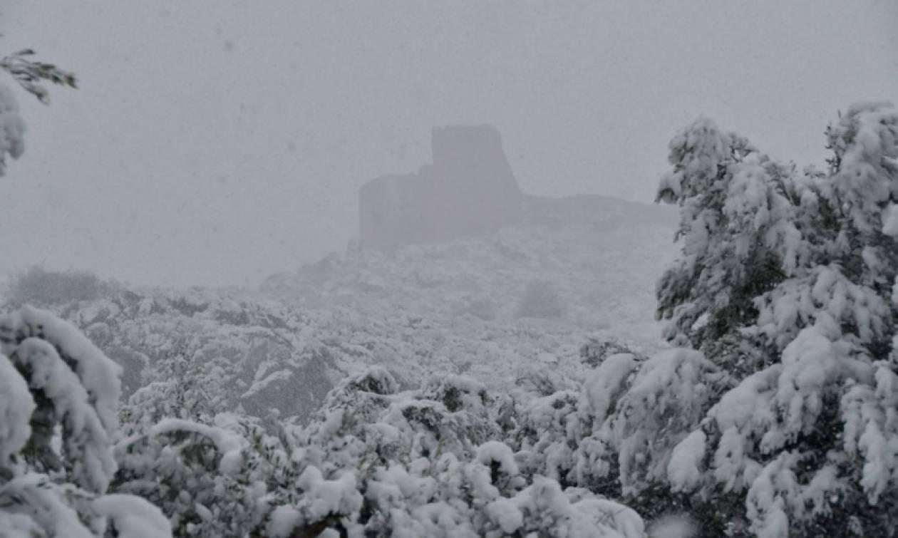 Καιρός live: Στο έλεος του χιονιά Κύμη, Αλόννησος και Σκόπελος - Πού θα χιονίσει σήμερα