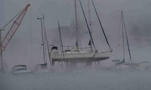 Καιρός: Απίστευτες εικόνες στο Ναύπλιο - «Έβρασε» η θάλασσα! (video)