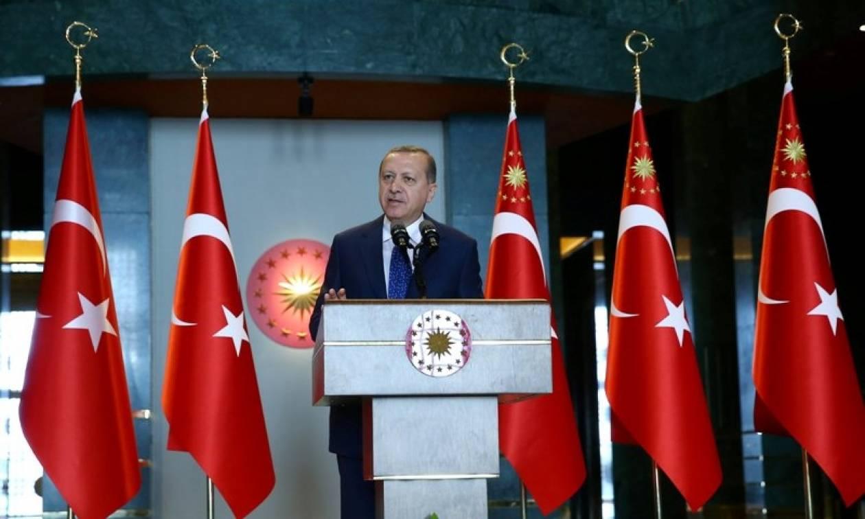Ο Ερντογάν «βλέπει» καλύτερες σχέσεις με τις ΗΠΑ υπό τον Τραμπ