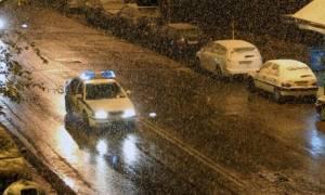 Καιρός LIVE: Χιονίζει τώρα στην Αθήνα - Υπό το μηδέν ο υδράργυρος (vid)