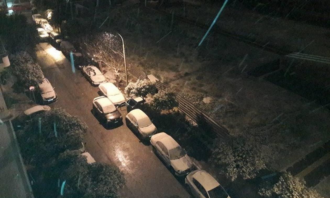 Καιρός ΤΩΡΑ: Ποιοι δρόμοι είναι κλειστοί στην Αθήνα λόγω του χιονιά