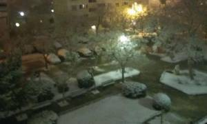 Χιόνια Αθήνα: Κατάλευκα τα νότια προάστια από το πυκνό χιόνι (photos)
