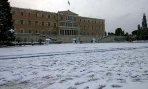 Χιόνια στην Αθήνα – Προσοχή: Δείτε ποιοι δρόμοι είναι κλειστοί σε Αθήνα και Αττική