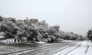 Καιρός ΤΩΡΑ: Έρχεται νέος χιονιάς - Πότε θα «χτυπήσει» σε Αθήνα και Θεσσαλονίκη