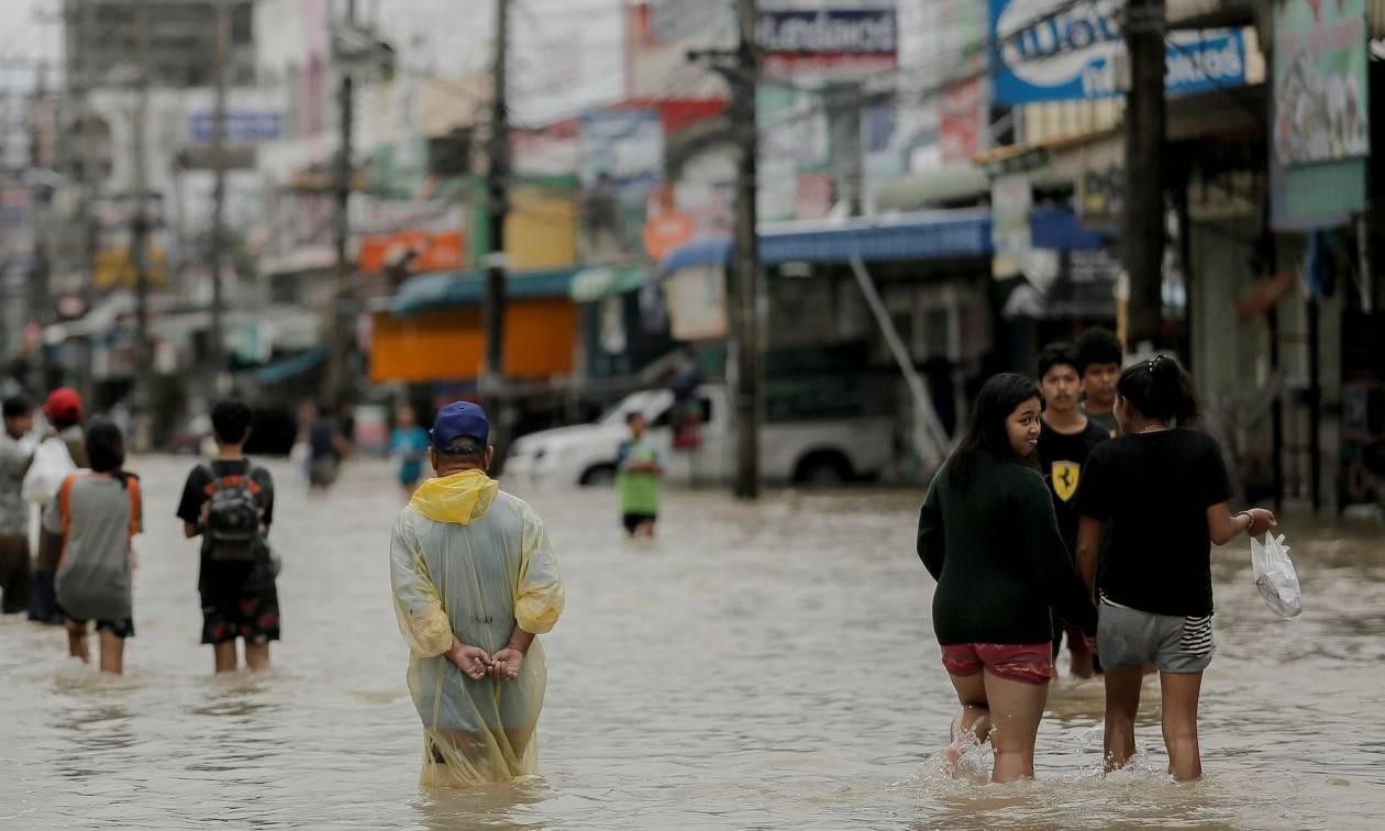 Τραγωδία στην Ταϊλάνδη: Τουλάχιστον 25 νεκροί από την κακοκαιρία (Vid)