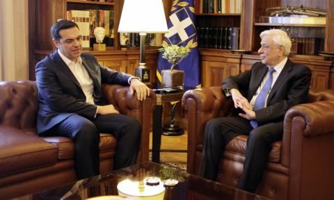 Κυπριακό - Ηχηρό μήνυμα Παυλόπουλου: Εκπτώσεις στην κυριαρχία της Κύπρου δεν νοούνται (vids)