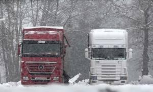 Χιόνια: Κλείνει και πάλι η Ε.Ο. Αθηνών - Πατρών για τα βαρέα οχήματα