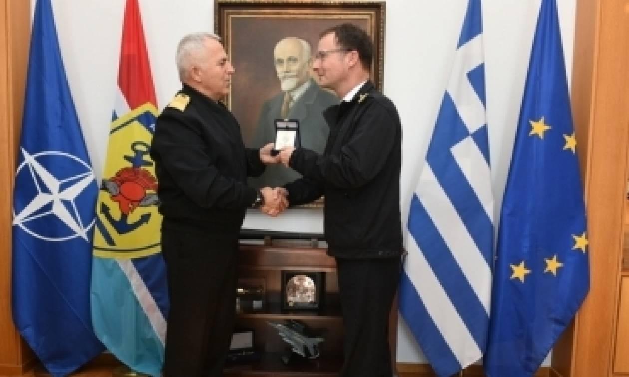 Ο Α/ΓΕΕΘΑ με τον Διοικητή της ναυτικής δύναμης NATO (pics)