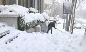 Βαλκάνια: Τουλάχιστον 8 νεκροί από το πολικό ψύχος - Χιλιάδες αποκλεισμένοι από τα χιόνια