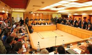 Καιρός-ΚΕΔΕ: Επίθεση στον Μουζάλα για τις συνθήκες διαβίωσης των προσφύγων