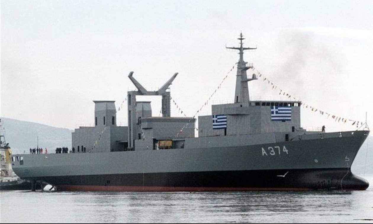 Πλοίο του Πολεμικού Ναυτικού στη Μυτιλήνη στέλνει ο Τσίπρας για την φιλοξενία προσφύγων