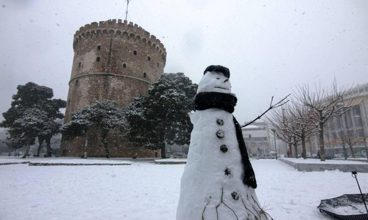 Καιρός ΤΩΡΑ: Κλειστά όλα τα σχολεία στον δήμο Θεσσαλονίκης την Τετάρτη (11/1)