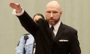 Νορβηγία: Αμετανόητος και προκλητικός ο Μπρέιβικ χαιρέτησε ναζιστικά στην έναρξη της δίκης (video)