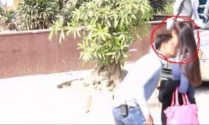 Βίντεο: Άρχισε να φιλά άγνωστες γυναίκες στο δρόμο και δείτε τι έπαθε!