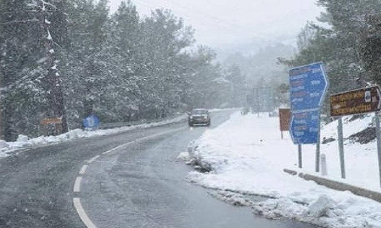 Καιρός ΤΩΡΑ: Προσοχή στον παγετό! Τι πρέπει να κάνουν οδηγοί και πεζοί