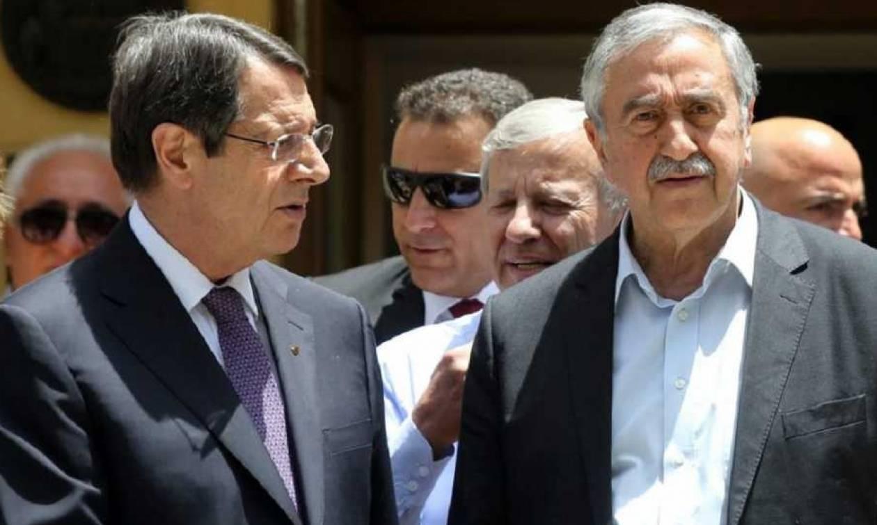 Κυπριακό: Έντονο παρασκήνιο με την ανταλλαγή χαρτών και το εδαφικό