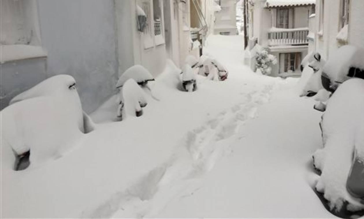 Καιρός ΤΩΡΑ: Έκτακτο δελτίο της ΕΜΥ με «κόκκινη» προειδοποίηση - Τι αναφέρει για Αθήνα - Θεσσαλονίκη
