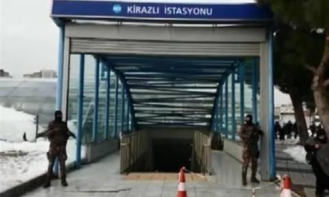 Εκκενώθηκε σταθμός μετρό στην Κωνσταντινούπολη - Ψάχνουν τον μακελάρη του Reina (vid)
