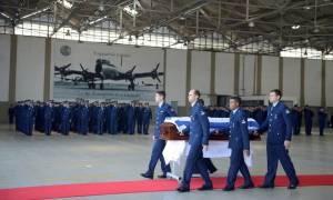 Κυριάκος Αμοιρίδης: Το τελευταίο «ταξίδι» του - Στην Ελλάδα για την κηδεία η σορός του (pics+vid)