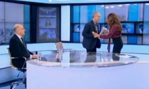 «Πλακώθηκαν» στον αέρα Δένδιας - Ρήγας: Έφυγε από το στούντιο ο γραμματέας του ΣΥΡΙΖΑ (video)