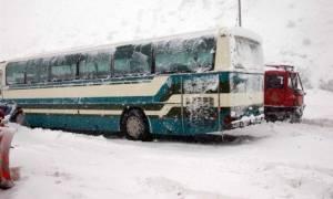 Καιρός: Περιπέτεια για 14 επιβάτες του ΚΤΕΛ Χαλκιδικής (pics)