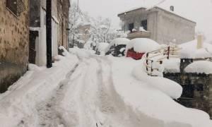 Καιρός ΤΩΡΑ: Η Στερεά Ελλάδα μετρά τις πληγές που άφησε ο χιονιάς