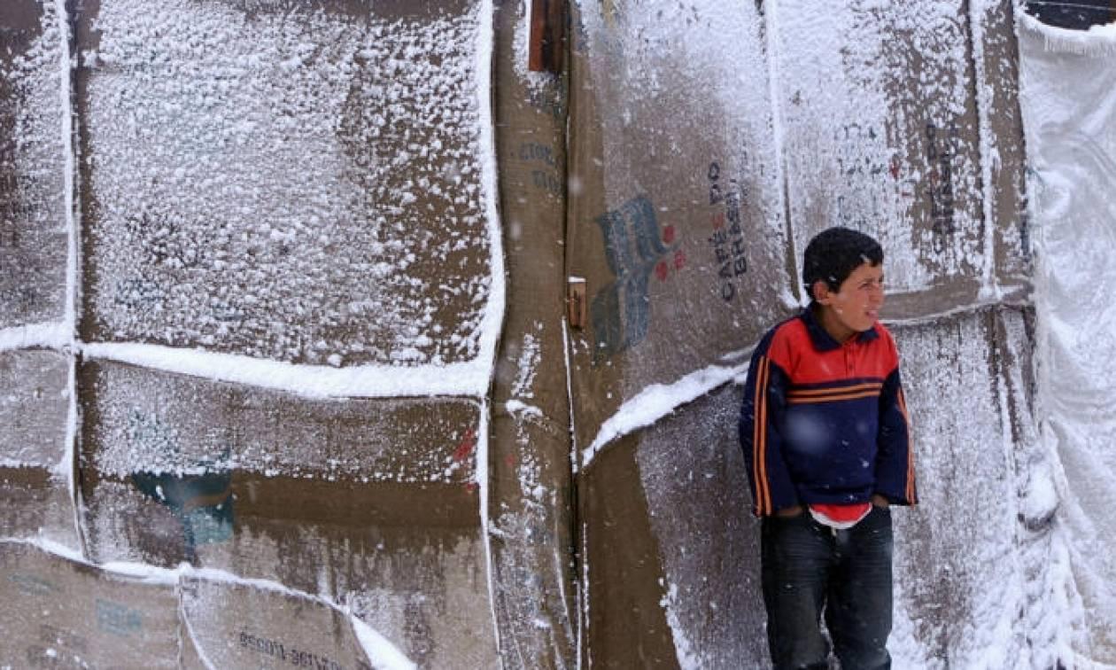 Οι ΜΚΟ κρούουν των κώδωνα: Οι πρόσφυγες στην Ελλάδα κινδυνεύουν από τον παγετό