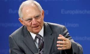 Σόιμπλε: Να τερματίσει φέτος η ΕΚΤ την πολιτική ποσοτικής χαλάρωσης