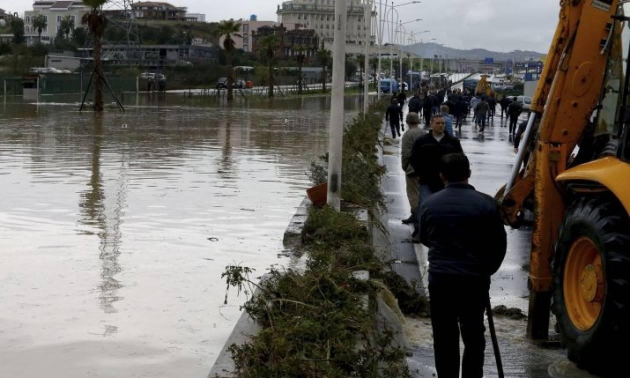 Αλβανία: Δέκα νεκροί από την κακοκαιρία