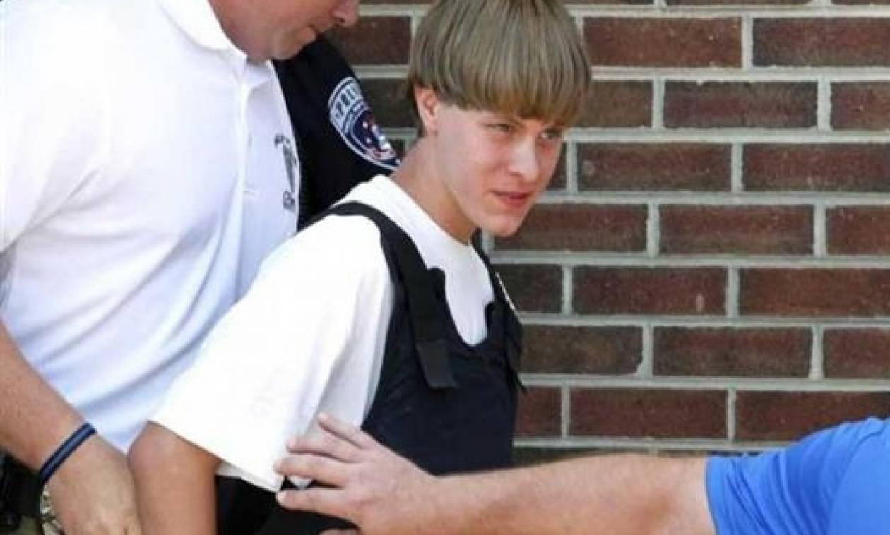 ΗΠΑ: Ο μακελάρης του Τσάρλεστον δέχτηκε σφοδρή επίθεση από συγγενείς των θυμάτων του