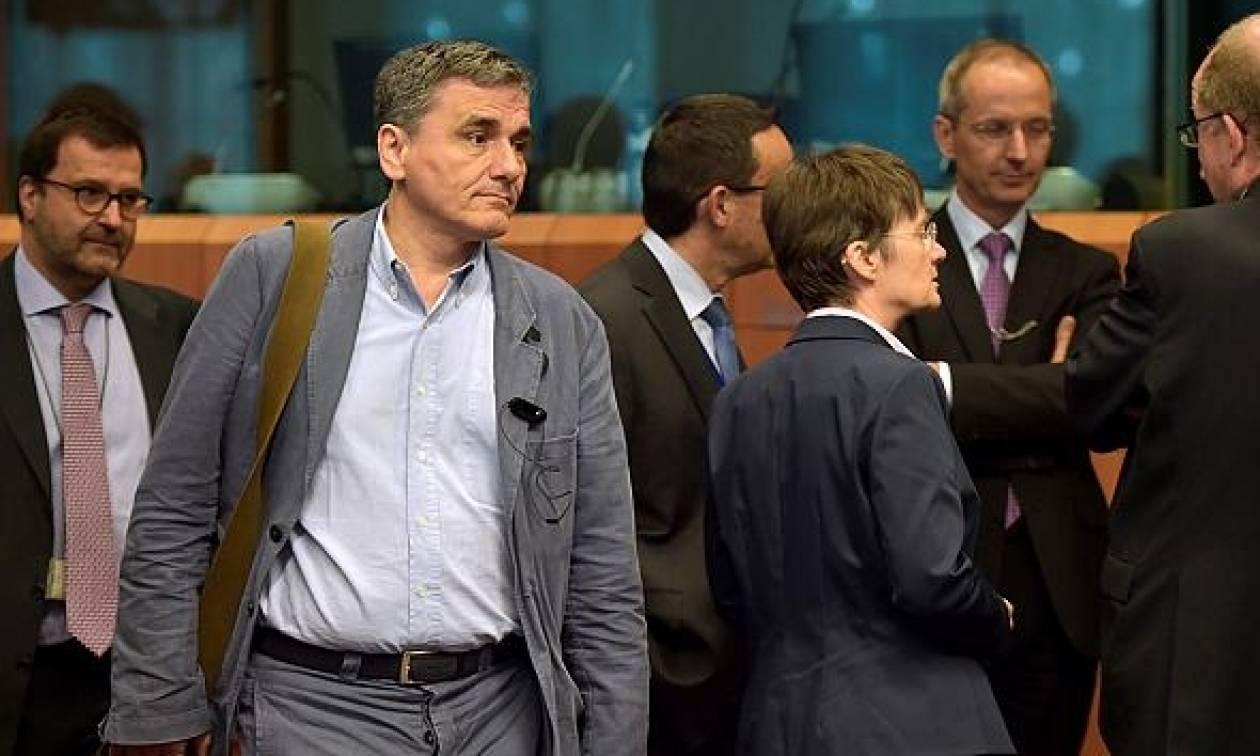 Παρακαλάμε να έρθουν οι θεσμοί - Παζάρια ΔΝΤ και ΕΕ με την Ελλάδα θεατή