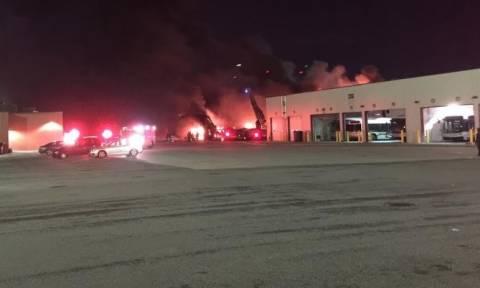 Συναγερμός στις ΗΠΑ: Έκρηξη και μεγάλη πυρκαγιά σε κεντρικό σταθμό λεωφορείων στο Ντιτρόιτ (Pics)