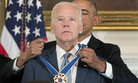 Ο Ομπάμα τίμησε τον Τζο Μπάιντεν με τη μεγαλύτερη διάκριση των ΗΠΑ (Pics+Vid)