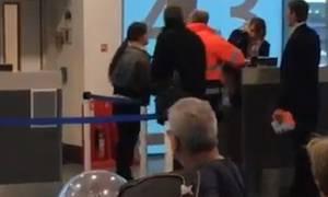 Άργησε στην πτήση για Αθήνα και χαστούκισε την υπάλληλο επειδή δεν την άφησε να μπει! (video)