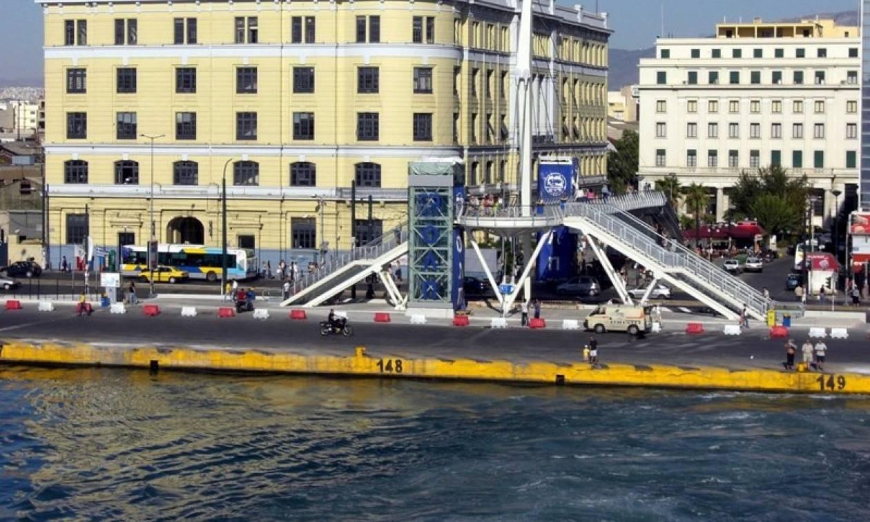 «Θρίλερ» στον Πειραιά: Ανασύρθηκε νεκρός από το λιμάνι